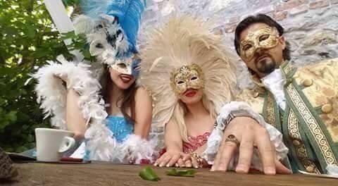 Image result for shqiperia maska karnavalesh që udhëtojnë nëpër botë